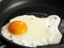 jajka smażący Fotografia Royalty Free