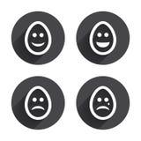Jajka szczęśliwi i smutni twarz znaki Wielkanocne ikony Fotografia Royalty Free