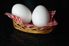 Jajka w koszu Zdjęcia Stock