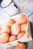 Jajka w zbiorniku Zdjęcie Royalty Free
