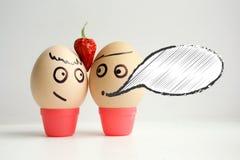 Jajka z malującą twarzą Pojęcie miłość Obrazy Stock
