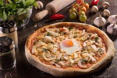 Jajko Gwiazdowa pizza Zdjęcia Royalty Free