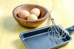 Jajko i niecka obraz stock