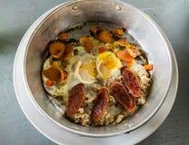 Jajko niecka z wieprzowiny pieczenią Zdjęcia Royalty Free