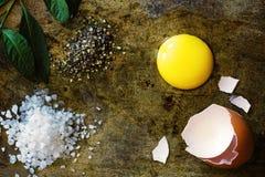 Jajko, sól i pieprz, Zdjęcie Royalty Free