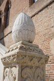 Jajkowata renaissance kamienia dekoracja kamienny schodek zdjęcie royalty free