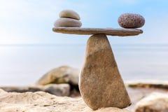 Jak równowaga kamienie fotografia stock