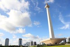 jakarta 20 décembre 2016 Monument national au-dessus du paysage urbain de Jakarta Photo stock