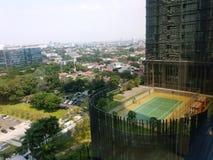 Jakarta-Geb?udeansicht mit blauem Himmel des Morgens Jakarta-Stadtbildansicht vom rofftop stockfoto