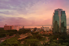 Jakarta i aftonen Arkivfoto