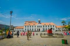 JAKARTA, INDONÉSIE - 3 MARS 2017 : Bâtiment de musée d'histoire de Jakarta comme vu de l'autre côté de la plaza un beau jour enso Image stock
