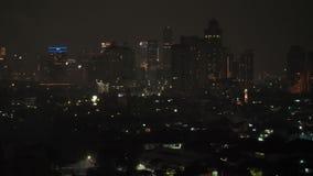 Jakarta, Indonesia - 1 de enero de 2019: Los fuegos artificiales del Año Nuevo 2019 en la capital de Indonesia, Jakarta almacen de metraje de vídeo