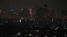 Jakarta, Indonesia - 1 de enero de 2019: Los fuegos artificiales del Año Nuevo 2019 en la capital de Indonesia, Jakarta almacen de video