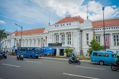JAKARTA, INDONESIA - 3 MARZO 2017: Conti la costruzione del museo veduta dall'altro lato della via, la facciata molto piacevole,  Immagini Stock