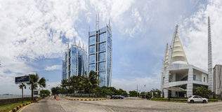 Jakarta Indonesien - mars 16, 2016: Jakarta stad med modern byggnad Royaltyfri Foto