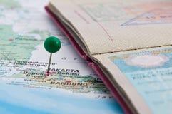 Jakarta, Java, Indonesien, GreenPin und Pass, Nahaufnahme der Karte Lizenzfreies Stockbild