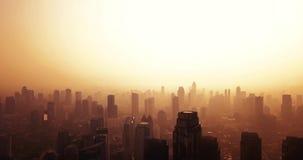 Jakarta-Skyline mit Schattenbild von Wolkenkratzern stock video