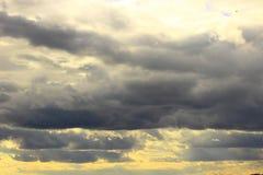 Jakby powolne chmury Zdjęcie Stock