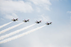 Jaktflygplan F-16 på en Airshow Royaltyfria Bilder