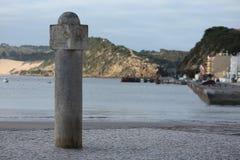 Jalón en el puerto seguro Imagenes de archivo
