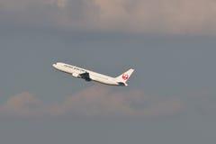 JAL à l'aéroport de HANEDA Photographie stock