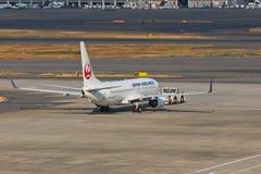JAL bij HANEDA Luchthaven Stock Afbeelding