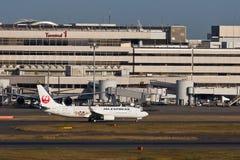 JAL bij HANEDA Luchthaven Royalty-vrije Stock Afbeelding