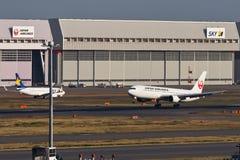 JAL bij HANEDA Luchthaven Stock Fotografie