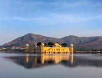 Jal Mahal (дворец воды).  Джайпур, Раджастхан, Индия стоковая фотография rf