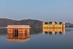 Jal Mahal (дворец воды).  Джайпур, Раджастхан, Индия стоковые изображения