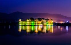 Jal Mahal (castelo em um lago) Imagens de Stock