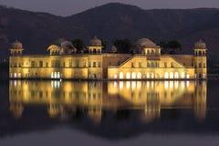 Jal Mahal Palace under solnedgång Royaltyfri Foto