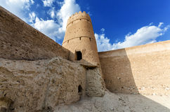Jalan Bani Bu Ali Fort. Ruins of the old arabic fort, located in the town of Jalan Bani Bu Ali, Ash Sharqiyah Region, Sultanate of Oman Stock Photo