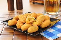 Jalapeno- und Cheddarkäsekäse poppers lizenzfreies stockfoto