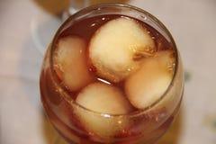 Jalea ligera fresca baja en calorías deliciosa del postre del verano del melocotón de la fruta Fotos de archivo libres de regalías