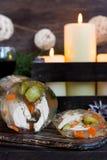 Jalea rusa tradicional del pollo a la tabla del ` s del Año Nuevo Imagen de archivo
