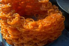 Jalebi,普遍的印度甜点 免版税图库摄影