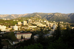 Jalta nei raggi del sol levante Fotografie Stock Libere da Diritti