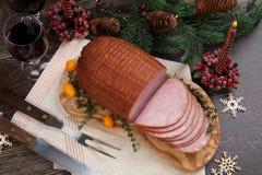 Jamón esmaltado asado de la Navidad Imagen de archivo libre de regalías