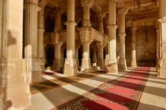Jama Masijd meczet w powikłanym Sarkhej Roza w India Zdjęcia Royalty Free