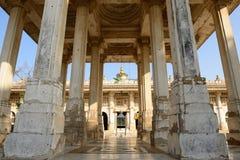 Jama Masijd meczet w powikłanym Sarkhej Roza w India Zdjęcie Stock