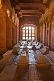 Саркофаги в мечети Jama Masjid Стоковое Фото