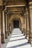 Jama Mosque - Piller und Schatten lizenzfreies stockfoto