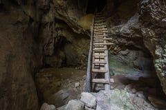 Jama stalagmity Zdjęcia Royalty Free