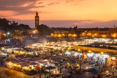 Jamaa el Fna日落的集市广场,马拉喀什,摩洛哥,北非 免版税图库摄影