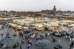 Jamaa el Fna,正方形在马拉喀什(摩洛哥) 免版税库存照片