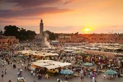 Jamaa el Fna targowy kwadrat w zmierzchu, Marrakesh, Maroko, afryka pólnocna obraz royalty free