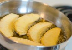 Jamaikan stekt brödfrukt Arkivbild