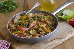 Jambalaya del pollo y del chorizo imagen de archivo