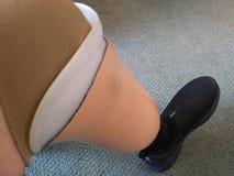 Jambe artificielle Shell avec la douille en plastique de jambe d'insertion et de chaussure et de silicone photo libre de droits